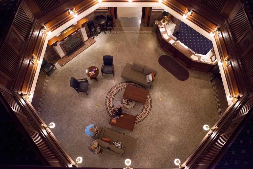 Hotel Rooms In Decorah Iowa