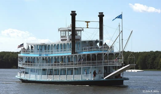17 Things to Do in 2017: Sail on the Riverboat Twilight
