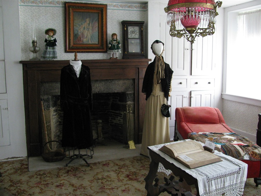 Pearson House with Period Furnishings