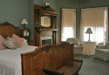 The Amanda Bedroom