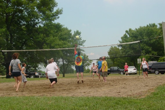 Campers enjoying some volleyball at Little Wall Lake Park
