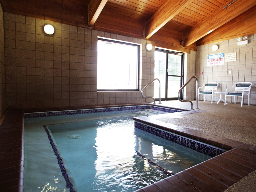 Americinn Lodge Amp Suites Of Okoboji Okoboji Iowa