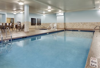 Hampton Inn At Ameristar Council Bluffs Ia Pool
