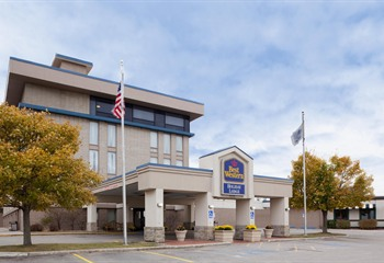 Best Western Holiday Lodge Clear Lake IA Exterior