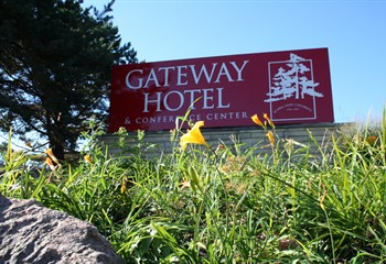 Gateway Hotel Entrance