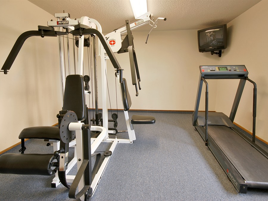 Super 8 Motel Keokuk IA Fitness Room