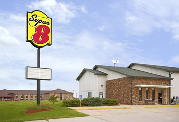 Super 8 Mount Pleasant IA Exterior