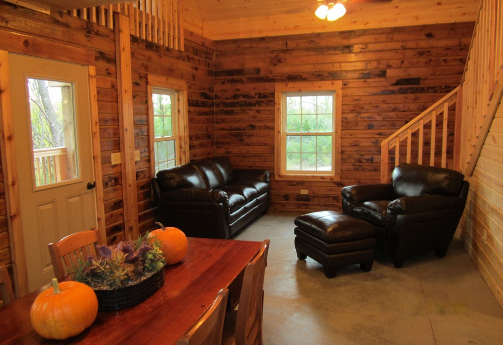 Living room in the Legacy Cabin