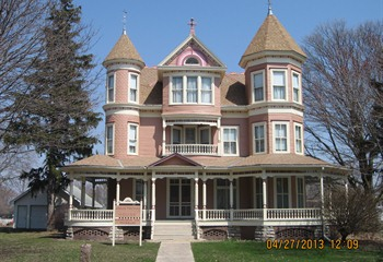 Larson-Armstrong House