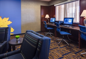 Courtyard Marriott  Ankeny IA Business Library