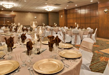 Holiday Inn & Suites Northwest Des Moines Banquet Hall