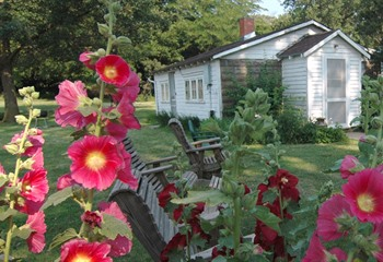 Hollyhock Cottage sleeps up to 6