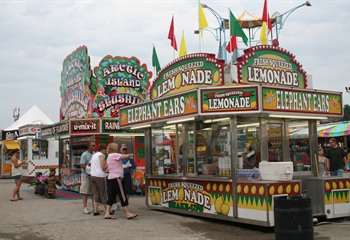 Enjoy the food vendors at the Great Mississippi Valley Fair