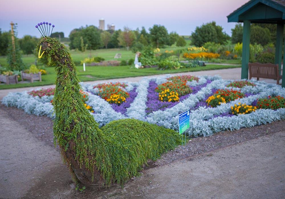 Secret Garden: Botanical Gardens & Arboretums