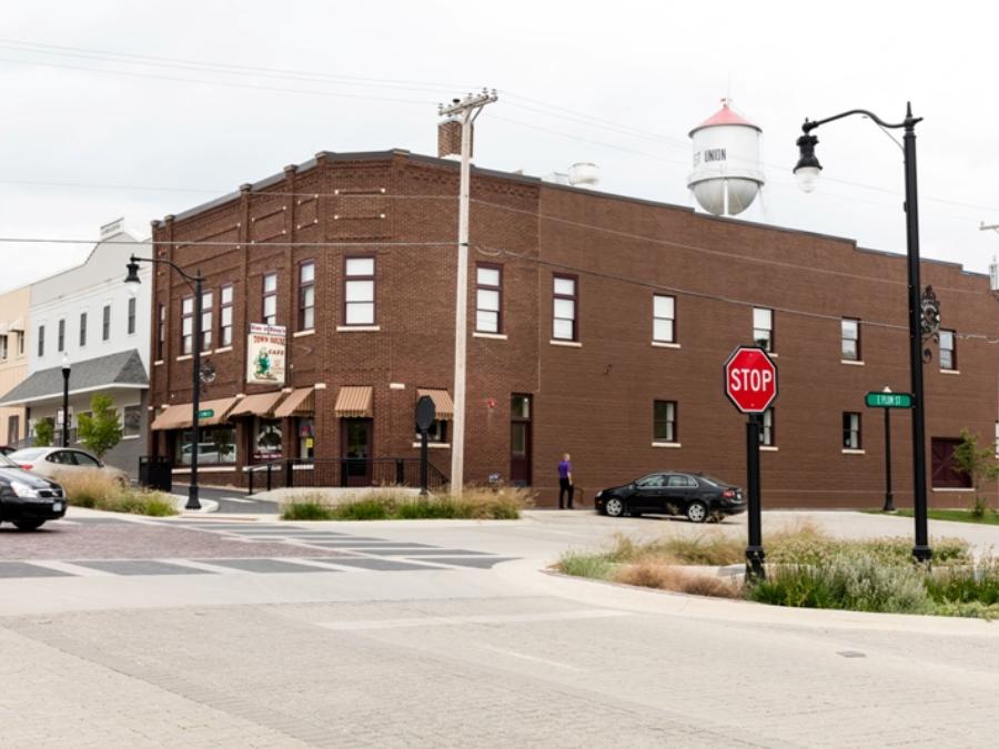 West Union Iowa >> Gus Tony S Townhouse West Union Iowa Restaurants